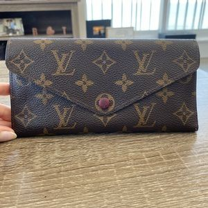 Louis Vuitton Wallet (women's)